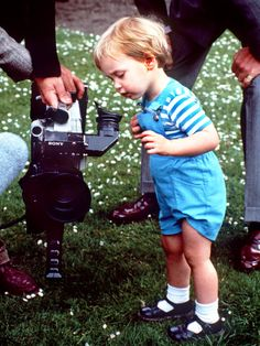 Kate Middleton, Prince William Childhood Photos: The Duke and Duchess as Kids! Baby Prince, Young Prince, Prince And Princess, Princess Kate, Princess Charlotte, Prince Harry, Real Princess, Prince George Alexander Louis, Kate Middleton Prince William