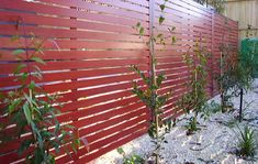 Cheap+Fence+Ideas | There are many fence types and they can be temporary or permanent. The ...
