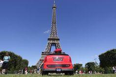Toute visite de Paris se doit de commencer par la tour Eiffel.  #Paris #TourEiffel #ChampsdeMars #Arthurautourdumonde #Monument