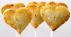 Как сделать пирожные на палочке «Сердечки»