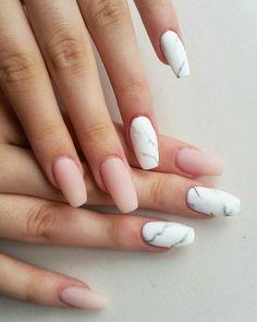 nails pink and white ~ nails pink ; nails pink and white ; nails pink and black ; nails pink and gold Marble Nail Designs, Acrylic Nail Designs, Marble Acrylic Nails, Acrylic Nails Almond Matte, Marbled Nails, Acrylic Nail Shapes, Almond Nails, Acrylic Art, Nagellack Trends