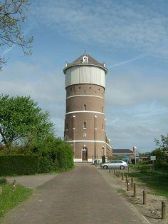 Water tower in Monster, The Netherlands - photo by Quistnix, via Flickr;  The water tower in Monster (op de grens met Den Haag) was built in 1886.  It is 37.80 m high.