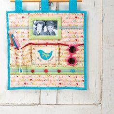 Girl's Tidy Wall Storage - Free sewing patterns - Sew Magazine Hanging Organizer, Hanging Storage, Wall Storage, Turquoise Fabric, Pink Fabric, Green Fabric, Sewing Patterns Free, Free Sewing, Scrap Busters