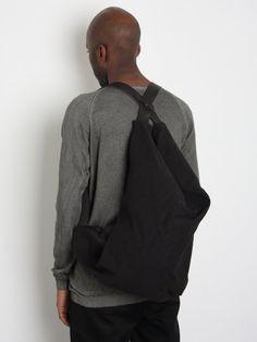Calvin Klein 2 pack V necks (XL) in S17
