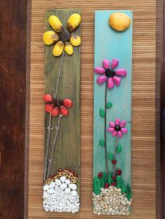 Pebble 'art' on scrap wood Stone Crafts, Rock Crafts, Diy And Crafts, Arts And Crafts, Caillou Roche, Pista Shell Crafts, Paint Pens For Rocks, Rock Flowers, Painted Rocks Kids