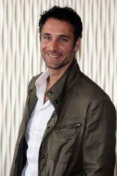 Italian Style, Italian Men, Men's Fashion, Men's Style, Casual laid-back look,   Raoul Bova Italian Actor