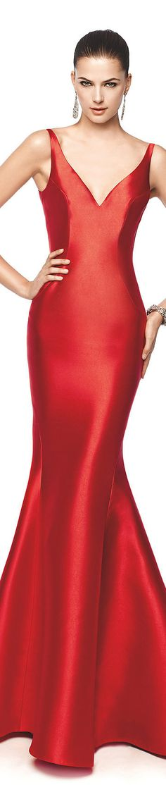 The perfect match - Silky red dress and beautiful skin!  Do you thinkshe uses #Alpha Hydrox?
