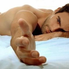 sexy_man-in-bed