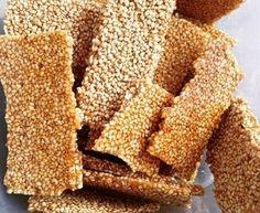 Sesamzaad:     Sesam is een veel gebruikt zaad, want het een rijke bron van kalium en magnesium.Sesam was ook reeds opgenomen in de lijst van medicijnen op de rollen van de Ebers