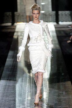 Valentino Fall 2004 Couture Fashion Show - Jacquetta Wheeler (Viva)