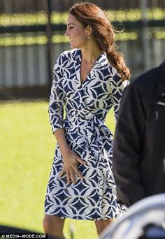 The Duke and Duchess of Cambridge arrived in Winmalee, in the Blue Mountains, to meet with those affected by the bushfires last year