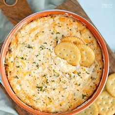 Cheesy Hot Crab DIp Best Football Food, Football Party Foods, Yummy Appetizers, Appetizers For Party, Appetizer Recipes, Party Recipes, Party Dips, Dinner Recipes, Hot Artichoke Spinach Dip