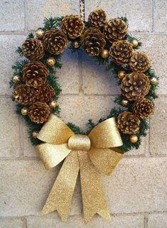 Pinecone Christmas crown