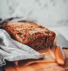Bezlepkový semínkový chléb - eKucharka.cz Banana Bread, Benefit, Desserts, Food, Tailgate Desserts, Deserts, Essen, Postres, Meals