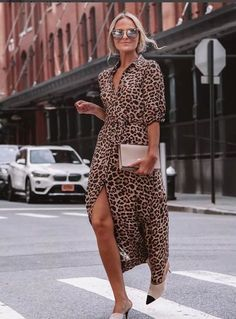 I want to choose some trendy leopard print accessories and clothes from Zara USA. They are all available to buy on Zara USA website. Leopard Print Outfits, Leopard Dress, Leopard Shirt, Leopard Heels Outfit, Leopard Clothes, Leopard Print Pants, Leopard Fashion, Look Fashion, Autumn Fashion