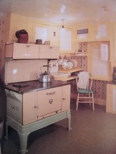 Life in a Pink House: Laura's Pink Stove  This is Laura Ingalls Wilder's kitchen in Mansfield, MO.