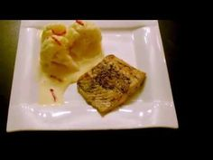 Blumenkohl mit scharfer Hollandaise und Lachs