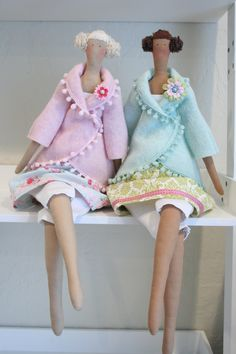 Tilda - Studio Angels - by Pia Williams. I love the proportions of these dolls. Handmade Angels, Yarn Thread, Fairy Dolls, Soft Dolls, Plush Dolls, Softies, Matilda, Vintage Dolls, Beautiful Dolls