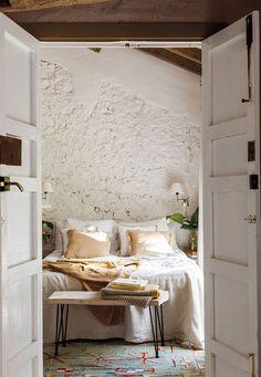 Cheap Office Decor, Cheap Home Decor, Home Bedroom, Bedroom Decor, Bedrooms, Kardashian Home, Magazine Deco, Decoration Gris, Home Remodeling