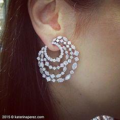 Harry Winston 'Secret Combination' #diamond #earrings @harrywinston #HarryWinston #harrywinstononkaterinaperezcom