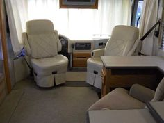 2004 Used Holiday Rambler Endeavor 40PBD Class A in Florida FL.Recreational Vehicle, rv, HUGE PRICE DROP 2004 Holiday Rambler Endeavor 40PBD, 36000 miles. One owner. ISC 330 Cummins turbo w/ Allison transmission. Options include Full body paint, 7.5 kw Onan diesel generator, Aluminum wheels,2000 watt inverter and awnings on windows and both slides. 20' patio awning. The two driver side slide-outs allow for spacious outdoor seating. Bedroom has queen bed, large closet, washer/dryer prep…