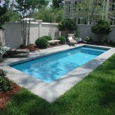 36 Cool Small Pool Backyard Designs Ideas On a Budget Kühler kleiner Pool-Hinterhof entwirft Ideen a Pools For Small Yards, Small Swimming Pools, Backyard Pool Landscaping, Backyard Pool Designs, Small Backyard Landscaping, Swimming Pools Backyard, Backyard Pergola, Swimming Pool Designs, Landscaping Ideas