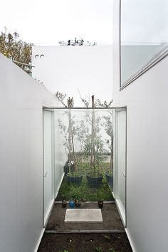 Tutte le dimensioni |moriyama house - SANAA, via Flickr. Japan Architecture, Arch Architecture, Ryue Nishizawa, Smart Home Design, Casa Patio, Architectural Section, Sauna, Japanese House, Built Environment