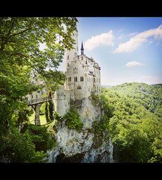 """Schloss Lichtenstein am Traufe der Schwäbischen Alb (Note: This """"Lichtenstein"""" castle is in Baden-Württemberg, Germany NOT a castle in """"Liechtenstein"""" the country)"""