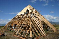 Строительство пирамиды в селе Нижний Уймон