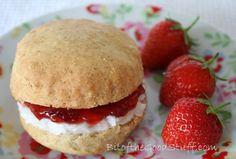 Vegan English scones with coconut clotted cream, super easy recipe
