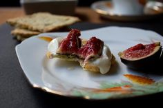 gluten free poppy seed crackers with yoghurt, honey and fresh figs