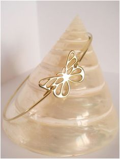 Gold butterfly bangle II - Butterfly bracelet - Minimalist jewelry - Everyday jewelry by Cecileis on Etsy