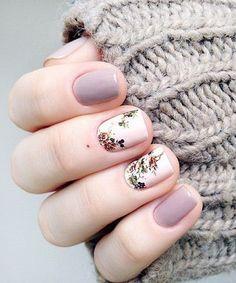 Most Gorgeous Purple Floral Nail Art Design