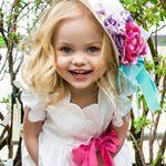 """10 ezer kedvelés, 462 hozzászólás – Dima & Violetta (@viola_dima_official) Instagram-hozzászólása: """"Развлекаемся как можем😄Немного #backstage @mama_odnoy_devochki MUAH @denyakinamakeup 📷…"""""""