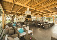 Bar Botijas Oasis, Pergola, Outdoor Structures, Bar, Outdoor Decor, Home Decor, Hotels, Gardens, Decoration Home