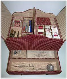 Foam Board Projects | Cartonnages : les broderies de Cathy Fabric Covered Boxes, Fabric Boxes, Sewing Case, Sewing Box, Cardboard Paper, Cardboard Crafts, Craft Station, Sewing Baskets, Sewing Accessories