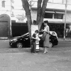 Bucaramanga, Colombia. Thank you @lindayesenia1915 #jwpreaching #jwservice #jwpioneer #publicwitnessing #testemunhopublico #predicacionpublica #cartwitnessing