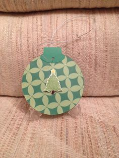 Christmas ornament w/sparkling tree  (Front view)