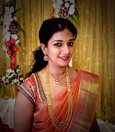 South Indian Bridal with Pattu Saree and Stunning makeup South Indian Bridal Jewellery, South Indian Weddings, Indian Wedding Jewelry, South Indian Bride, Bridal Jewelry, Gold Jewelry, Kerala Bride, Stone Jewelry, Indian Jewelry