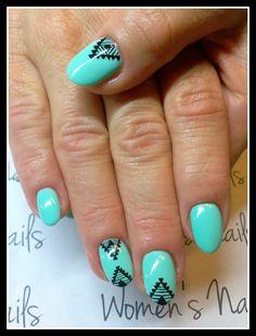 Azteckie wzory. Jagoda Uczułka stylizacja paznokci