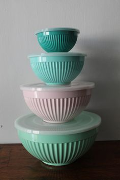 These chunky, colourful bowls are a handy and delightful accessory for any kitchen. Made from tough melamine, they're incredibly sturdy and hardwearing so you'll be able to enjoy using them for many years to come. They each have their own lid and they stack together for easy, space-saving storage. They're absolutely great for mixing and baking, storing leftovers in the fridge and taking your lunch or snacks into work in. £37.99