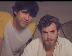 Rhett and link + Julian Smith Youtube Red, Youtube Stars, Markiplier Hair, Julian Smith, Good Mythical Morning, Popular People, I Have A Crush, I Love To Laugh, Best Youtubers