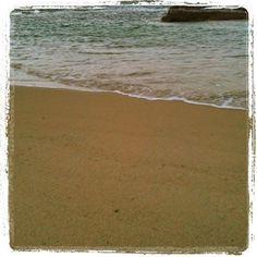Arena de playa. La utilizamos para exfoliar en nuestro jabón Citrus, tanto en la capa superior (donde está muy concentrada) como en el resto de la mezcla. Citrus http://www.baracosmetics.es/oscommerce/product_info.php?products_id=674 #arena #exfoliar #baracosmetics #cosmeticanatural #jabon #soap #naturalcosmetics #sand #playa #beach