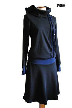 Ein wunderbares Jerseykleid im 20er Jahre Stil!  Es ist super bequem und aus hochwertigem schwarzem und dunkelblauem 100% Baumwolljersey gefertigt. Da