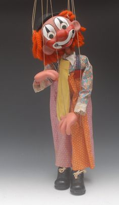 Display Clown Claude - Pelham Puppets Display Range, the hol