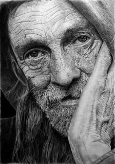 Old Man Hiper-Realistic Drawing