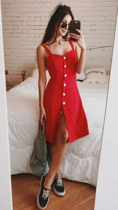 Roupas para Natal: 15 Ideias de Looks para Arrasar na Ceia! Christmas Outfits: 15 Look Ideas to Rock the Supper! Cute Casual Outfits, Stylish Outfits, Casual Dresses, Fashion 90s, Look Fashion, Dress Outfits, Fashion Dresses, Street Look, Beautiful Outfits