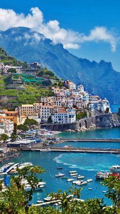 Santorini Island... The Best Honeymoon Destination