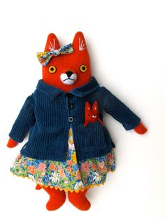 If you are not following Mimi Kirchner's blog, you are missing out on these AMAZING fox dolls.
