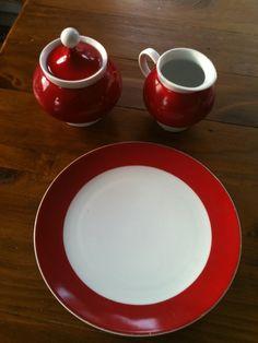4 Teller, ein zauberhaftes Set aus Milchkännchen und Zuckertopf (ohne Chips/Abplatzer) von bavaria Arzberg Schumann. WUNDERSCHÖN. Nur die Teller haben